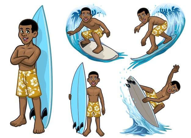 Set cartoon zwarte jonge surfer