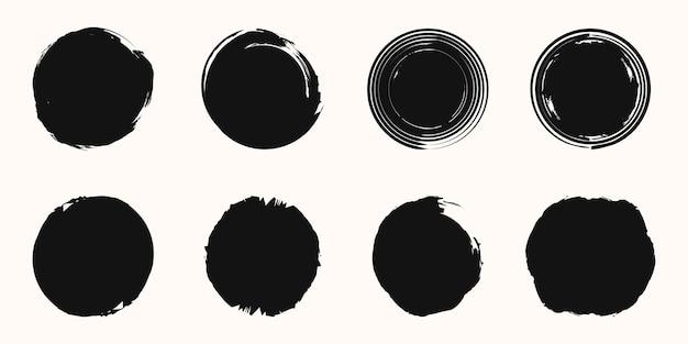Set cirkel penseelstreek vector geïsoleerd op een witte achtergrond.