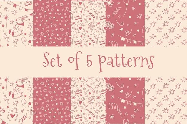 Set doodle verjaardag naadloze patronen in roze en champagne kleur cute cartoon background