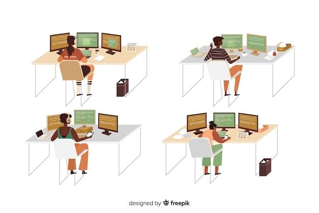 Set geïllustreerde programmeurs werken