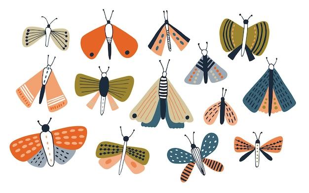 Set gekleurde doodle motten geïsoleerd op een witte achtergrond. leuke vlinders hand getrokken collectie. kleurrijke vectorillustratie.