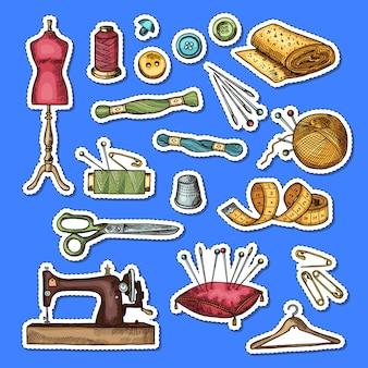 Set gekleurde hand getrokken naaien elementen stickers illustratie