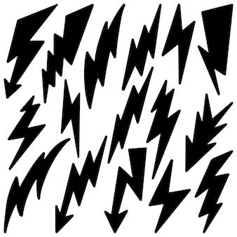 Set hand getrokken doodle elektrische bliksemschicht symbool schets vectorillustraties. vectorillustratie.
