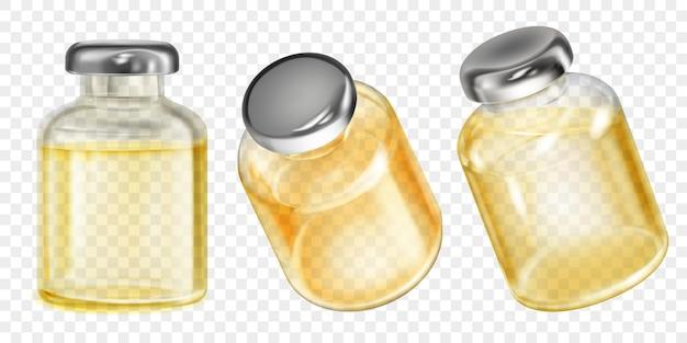Set realistische doorschijnende coronavirusvaccinflessen met gele vloeistof op transparante achtergrond