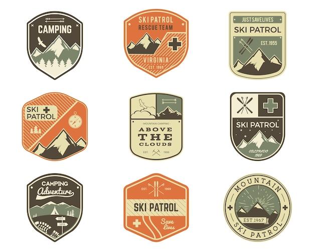 Set retro stijl ski club, patrol labels. klassieke bergelementen.
