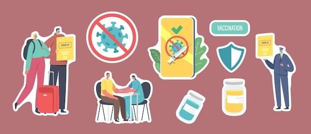 Set stickers vaccinatie voor reizigers, covid immuun medisch certificaat thema. personages in masker met bagage en gezondheidspaspoort, gekruiste coronaviruscel. cartoon mensen vectorillustratie