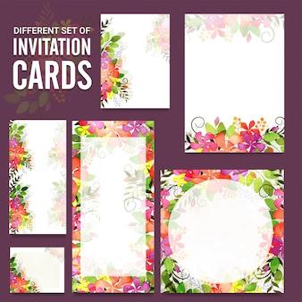 Set uitnodigingskaarten met kleurrijke bloemen.