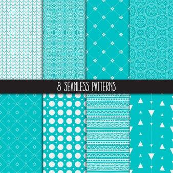 Set van acht verschillende decoratieve turquoise patronen. etnische bloemen- en geometrische ornamenten