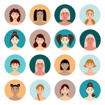 Set van avatar vrouwen kapsels. mooie jonge meisjes met verschillende kapsels geïsoleerd op een witte achtergrond.