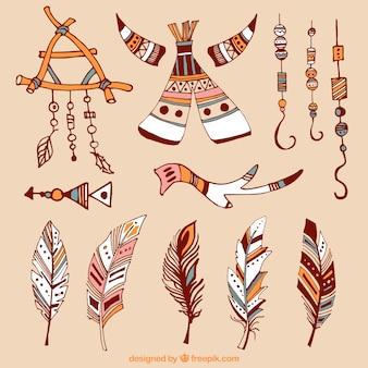 Set van boho-elementen en met de hand getekende veren