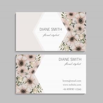 Set van de voor- en achterkant van het visitekaartje met bloemen