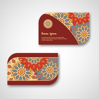 Set van decoratieve hand getrokken mandala kaarten
