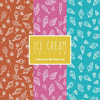 Set van drie patronen met handgetekende ijsjes