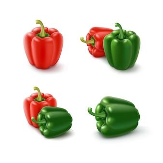 Set van gekleurde groene en rode zoete bulgaarse paprika, paprika geïsoleerd op wit