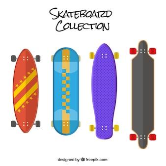 Set van gekleurde skateboards in plat design