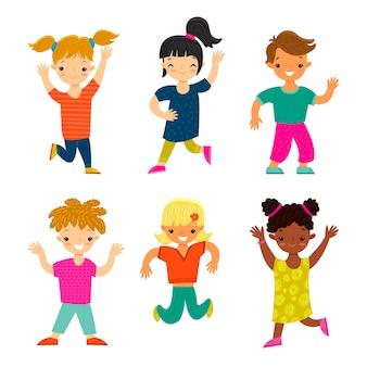 Set van gelukkige lachende kinderen van verschillende etnische groepen en geslachten in cartoon stijl