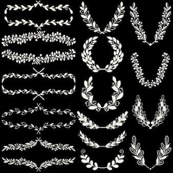 Set van handgetekende lauweren kransen en bloemen haakjes