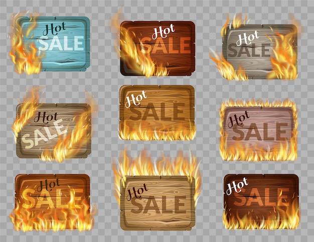 Set van houten panelen versierd met vlam branden.
