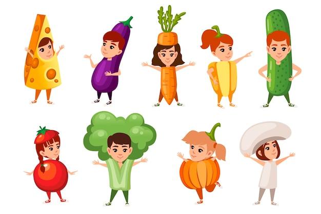Set van jongens en meisjes kind dragen groenten en ander voedsel kostuum platte vectorillustratie