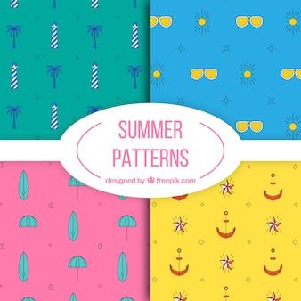 Set van kleurrijke handgetekende zomercatronen