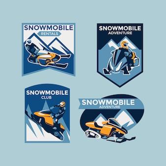 Set van kleurrijke moderne winter sneeuwscooter emblemen, badges