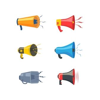 Set van kleurrijke rupor in platte ontwerp. luidspreker, megafoon, pictogram of symbool geïsoleerd op een witte achtergrond. concept voor sociale netwerken, promotie en reclame. illustratie.