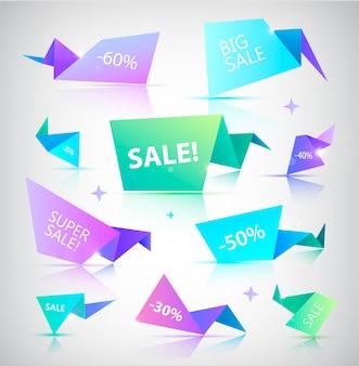 Set van kleurrijke verkoop banners, bubbels, papieren origami pictogrammen.