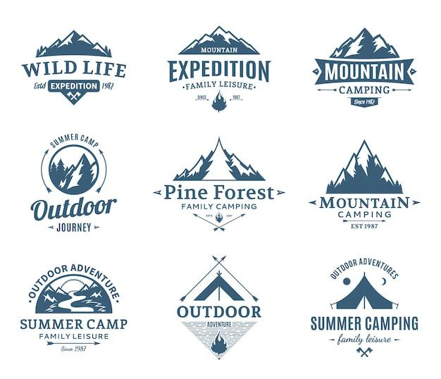 Set van logo voor kamperen en buitenactiviteiten
