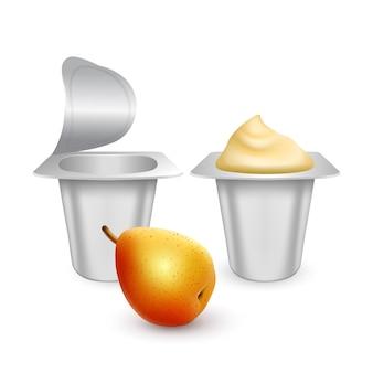 Set van matte plastic potten voor yoghurt