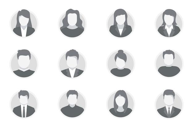 Set van mensen avatar gezichten. avatar profiel man en vrouw. verschillende menselijke gezichtspictogrammen voor videogame, internetforum, account. gebruikersafbeelding, gezichtspictogrammen, afbeelding om de online gebruiker op het sociale netwerk te vertegenwoordigen