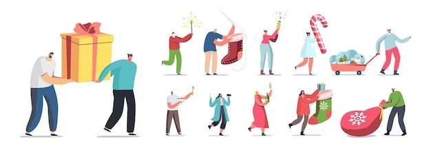 Set van mensen bereiden zich voor op nieuwjaars- en kerstvakantieviering. mannelijke en vrouwelijke personages kopen geschenken en souvenirs, drinken van wijn geïsoleerd op een witte achtergrond. cartoon vectorillustratie