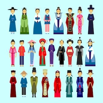 Set van mensen in traditionele aziatische kleding, mannelijke en vrouwelijke nationale kostuums collectie concept