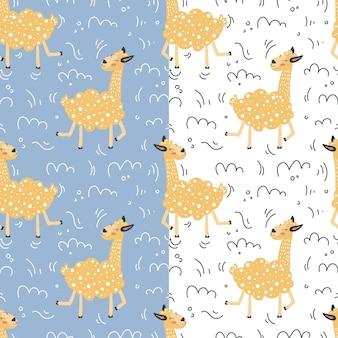 Set van naadloze patronen met lama en handgetekende elementen grappige cartoonlama in trendy stijl