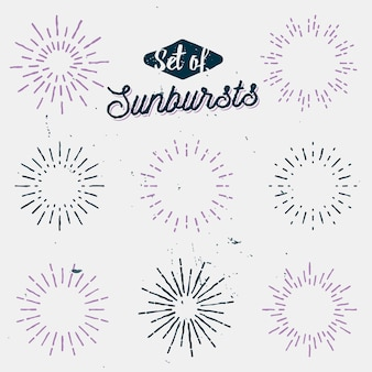 Set van oude lichtstralen, retro zonnestralen, vintage zonnestralen, bekleed flitsen en schittert, hand getrokken