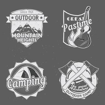 Set van outdoor reizen camping badges.