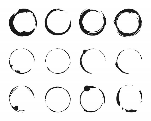 Set van penseelstreken cirkels van verf. grunge textuur koffie ring vlekken.