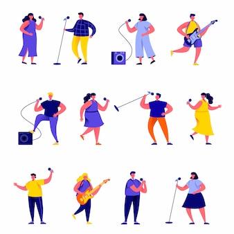 Set van platte mensen zangers met microfoons en muzikanten personages