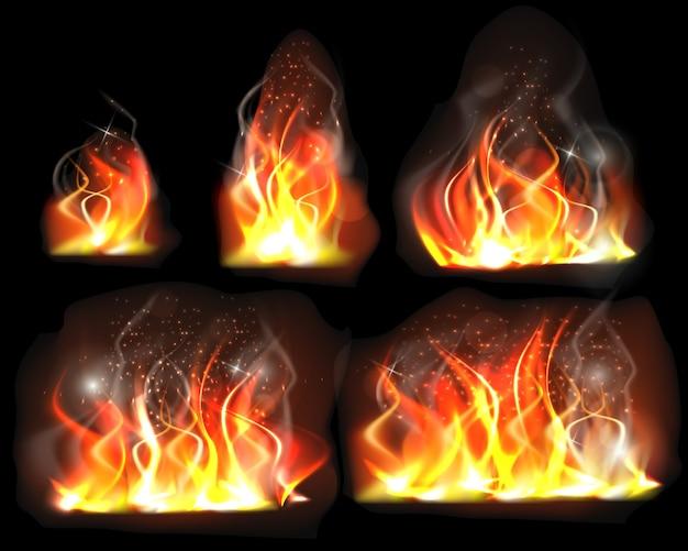 Set van realistische brandende vlam geïsoleerd op zwart