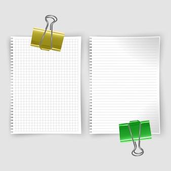 Set van realistische witte notitieboekjes, schetsboek met lijnen en notitieboekje in de cel voor het schrijven van berichtsjablonen