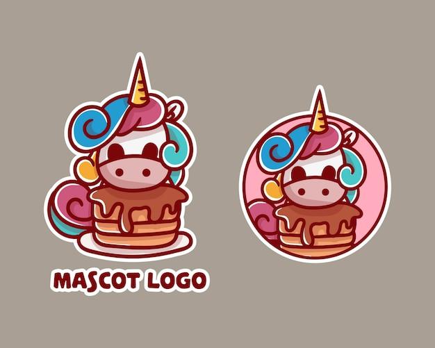 Set van schattige eenhoorn pannenkoek mascotte logo met optioneel uiterlijk.