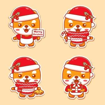 Set van schattige hond die kerst viert. met cadeau, vrolijke kersttekst, kaars en jingle bells. kawaii-stijl