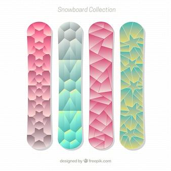 Set van snowboards in veelhoekige ontwerp