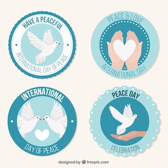 Set van stickers met duiven en harten