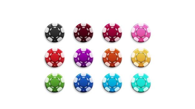 Set van veelkleurige chips geïsoleerd op een witte achtergrond. realistische lege fiches voor casino