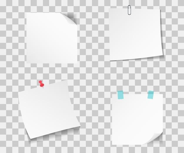 Set van verschillende papieren notities. plakt notitiepapier met speld. verzameling kleverige papieren met speldnaalden en plakband die zichtbaar zijn