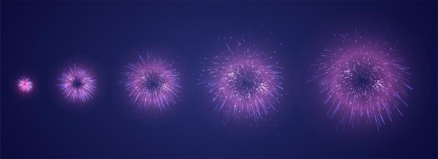 Set van verschillende stadia van een vuurwerkexplosie op een donkere paarse achtergrond