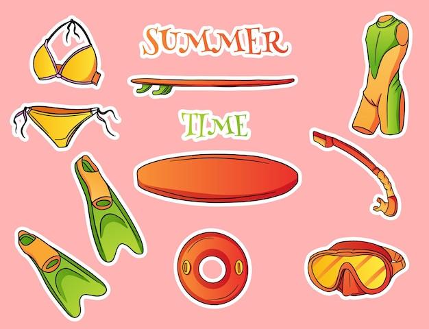 Set van verschillende zomeritems met zomertijdtekst op roze achtergrondillustratie