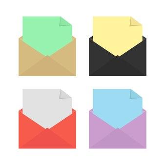 Set van vier open gekleurde enveloppen