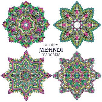 Set van vier ronde mandala's, decoratieve elementen. mehndi-stijl, traditioneel oosters ornament.