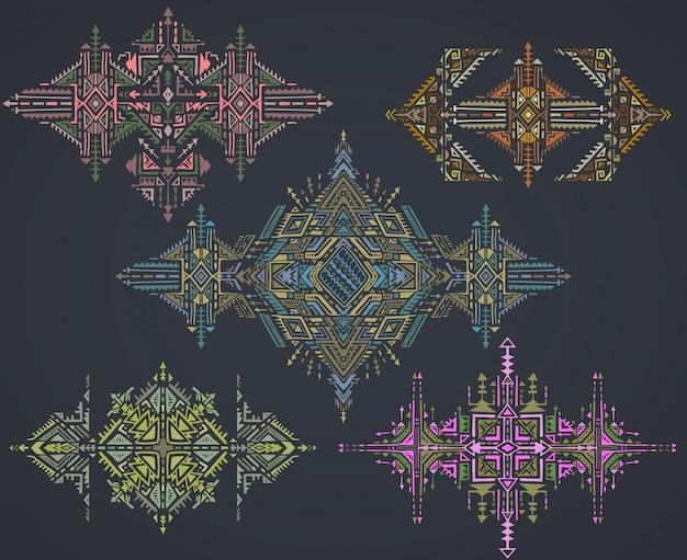 Set van vijf tribal art boho hand getekende geometrische patroon.